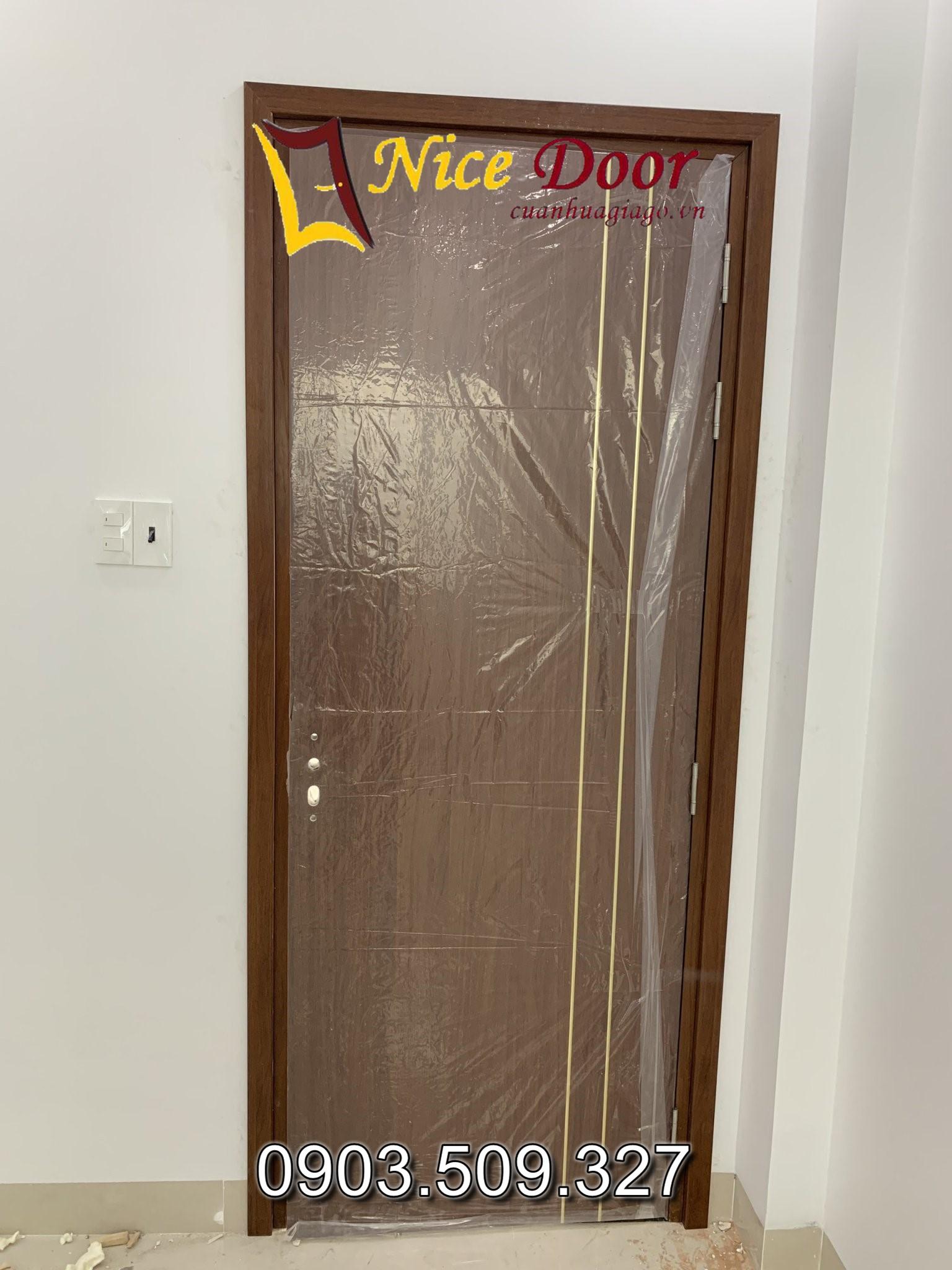 cửa nhựa composite giá