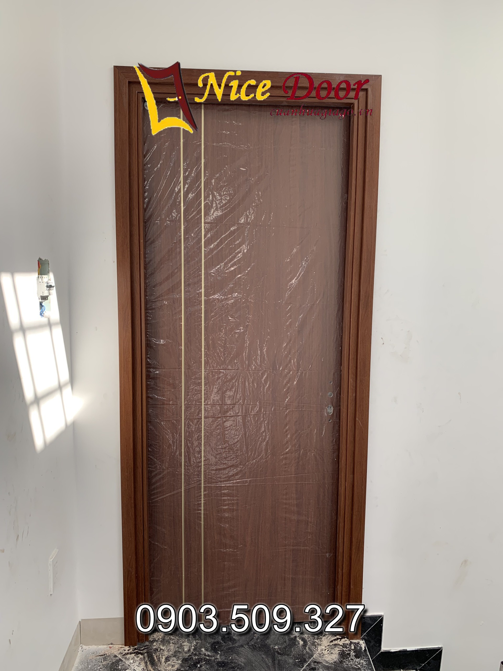 cửa nhựa composite là gì