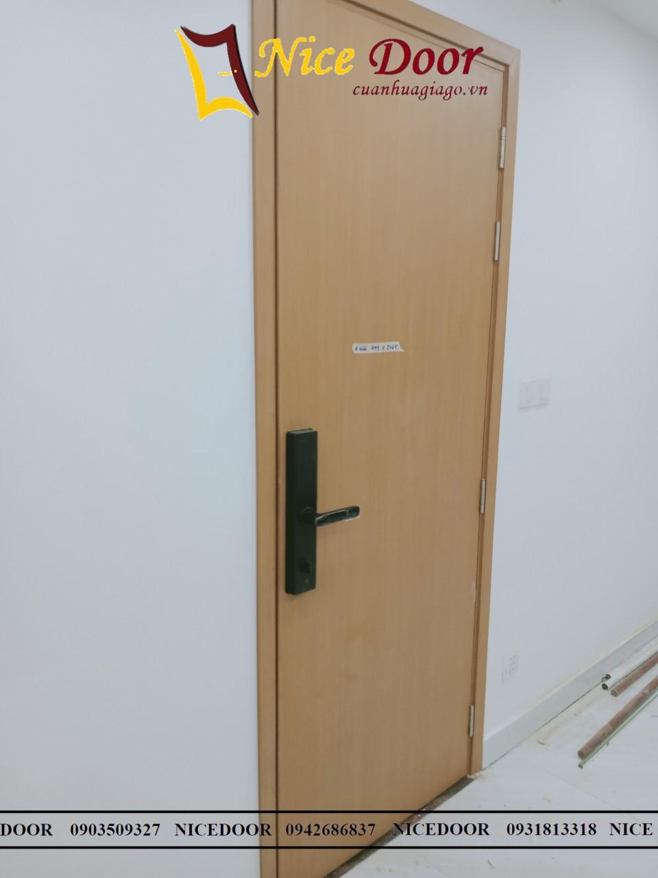 cửa-nhựa-giả-gỗ-nhà-vệ-sinh